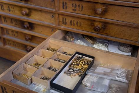 jeanne-danjou-paris-vintage-costume-jewelry-antique-clasps-repairs-retail-collector